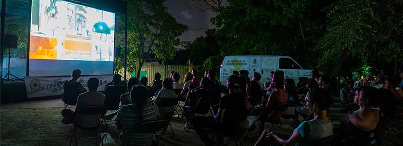 El Cine Club en Parque La Ceiba
